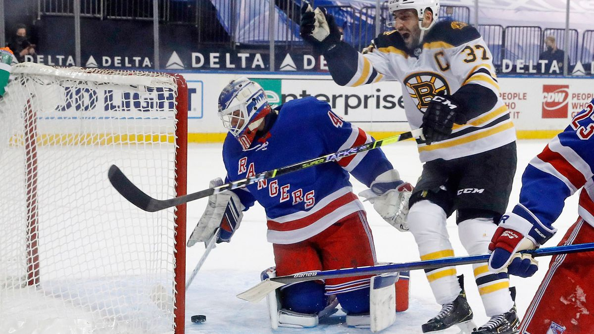 Brad Marchand scores in OT, Bruins beat Rangers 3-2