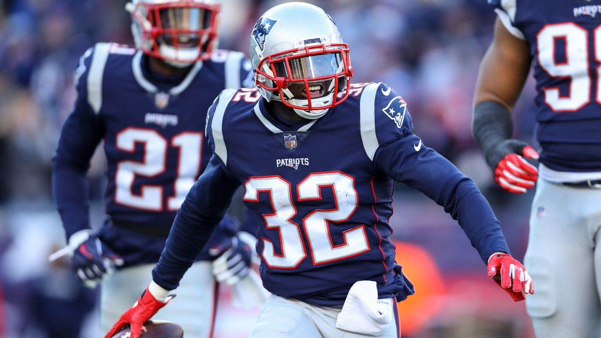 New England Patriots extend safety Devin McCourty's contract
