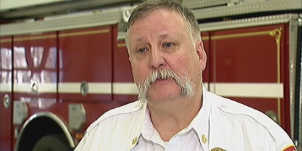 Norwell fire chief cited for texting & driving in crash that injured 4 people