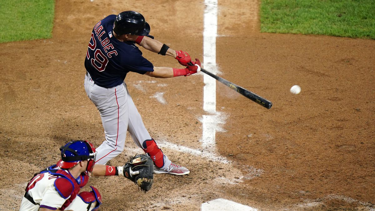 Dalbec homers in 4th straight game; Red Sox, Phillies split