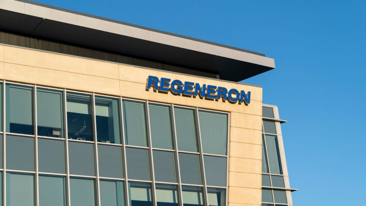 Coronavirus: FDA authorizes Regeneron antibody drug