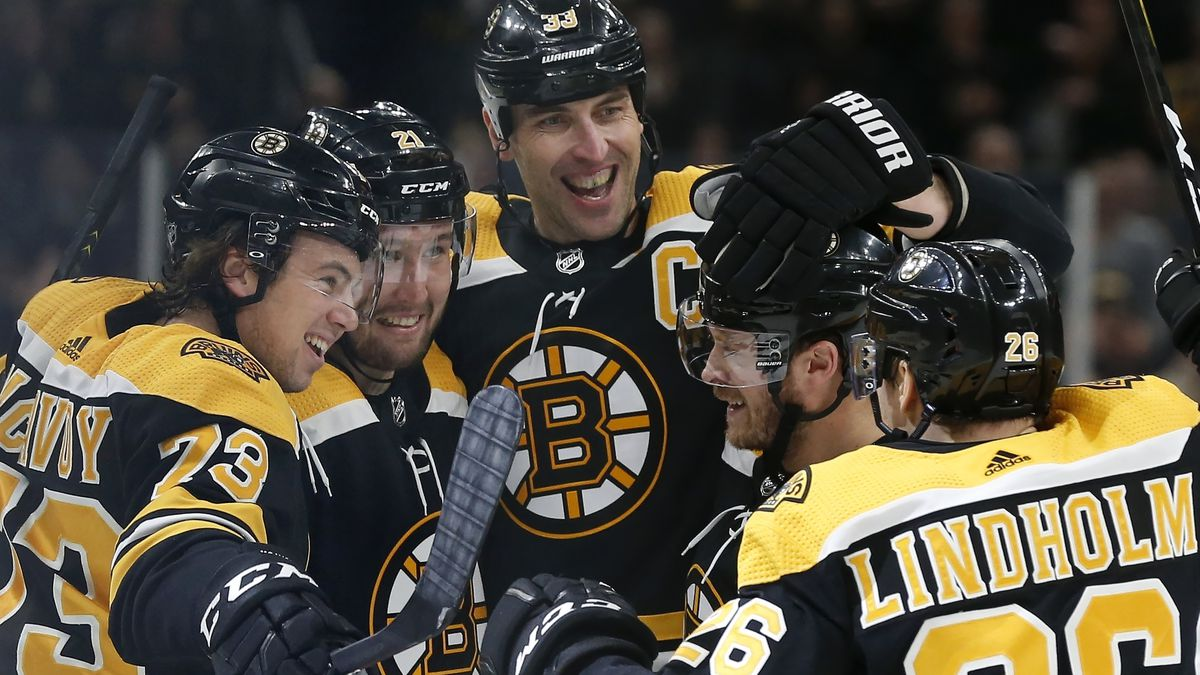Bruins captain Chara: I want to keep playing in Boston