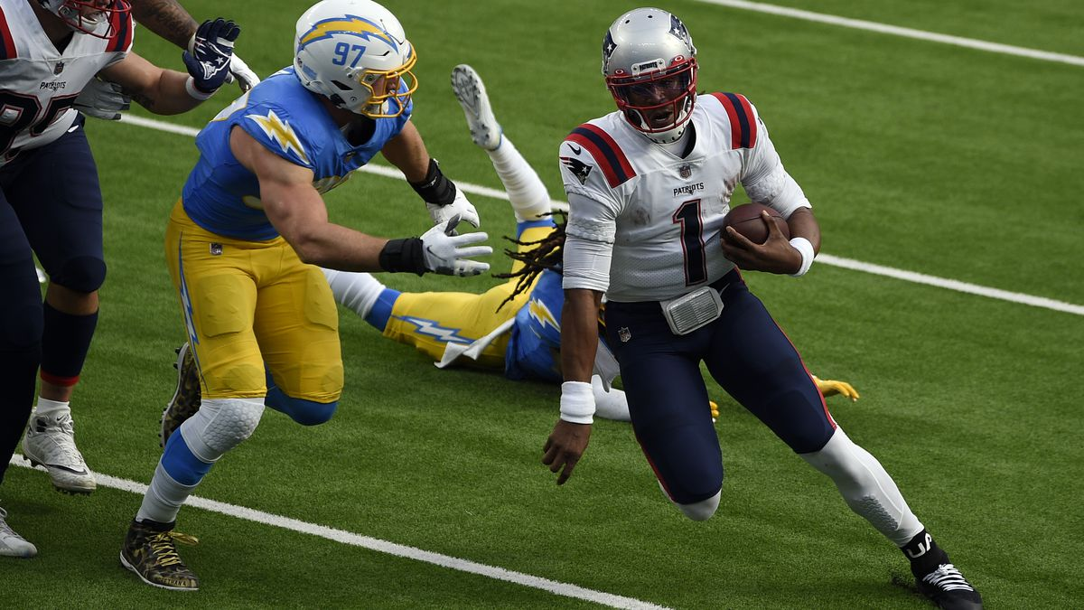 Patriots crush Chargers in LA, improve to .500 with shutout win