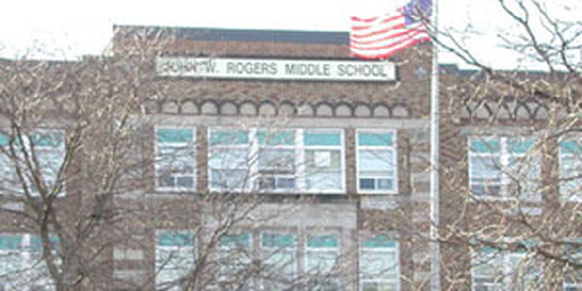 Rockland Police charge 2 middle school girls following fight