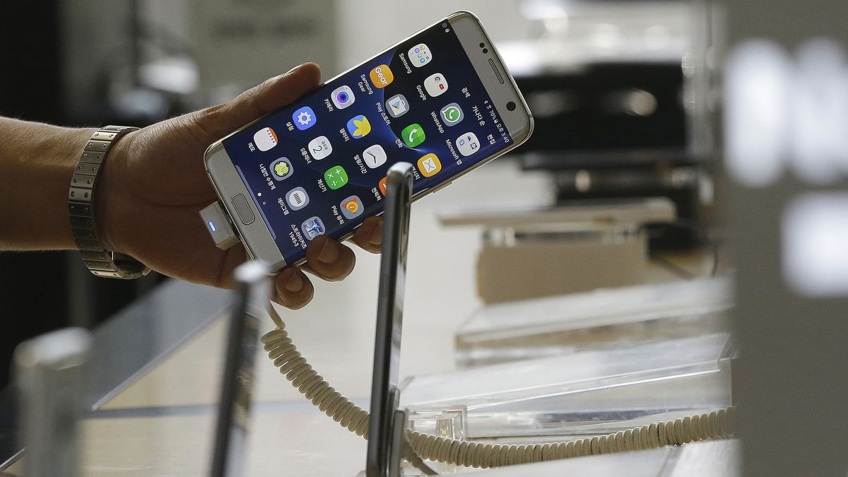 Samsung stops Galaxy Note 7 sales after battery explosions