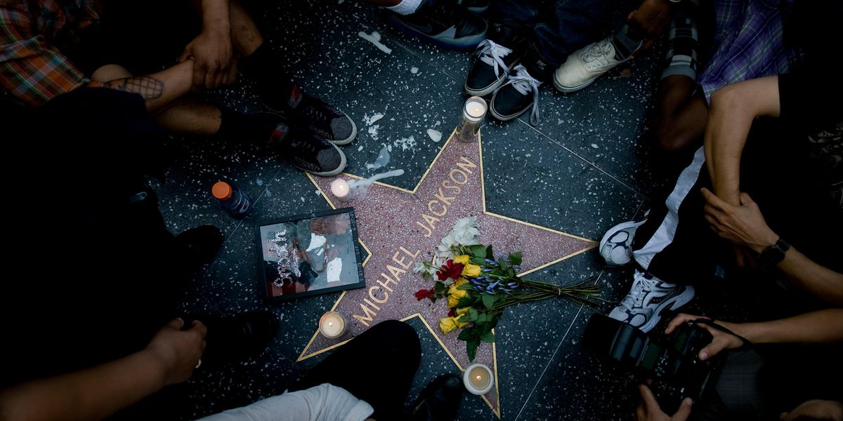 Michael Jackson's daughter cleans defaced star on Hollywood Walk of Fame