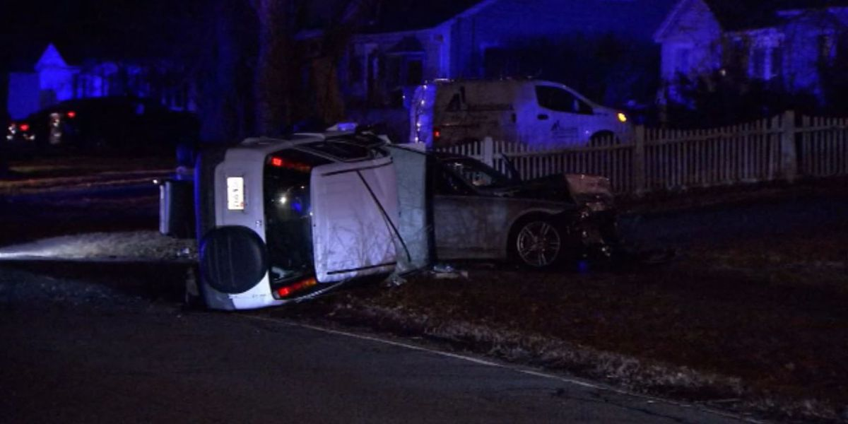 1 dead, 2 hurt after serious two-car crash in North Andover