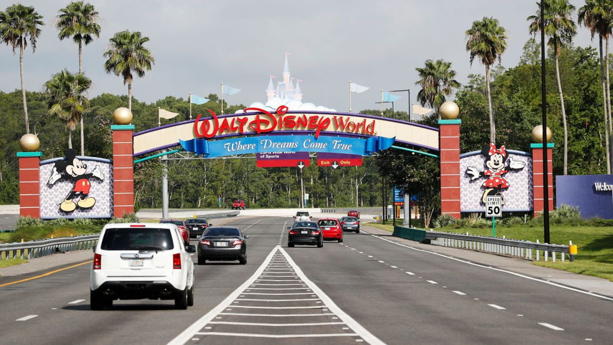Disney donates $20,000 from wishing wells to Florida homeless charity