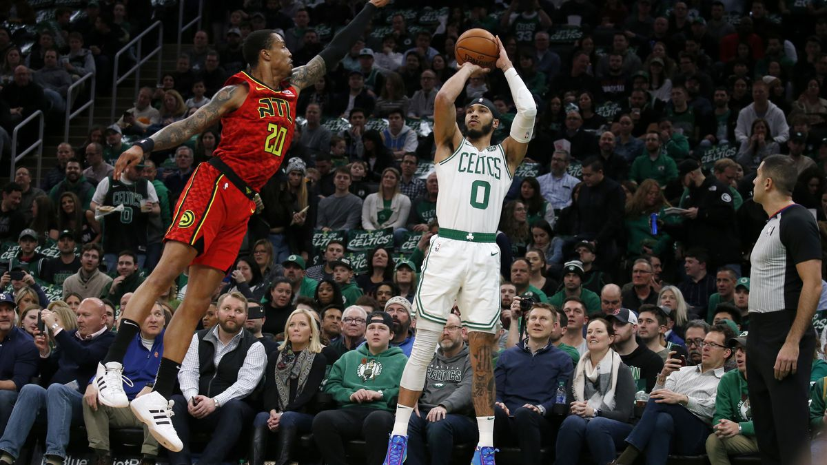 Tatum scores 32, helps Celtics hold off Hawks 112-107