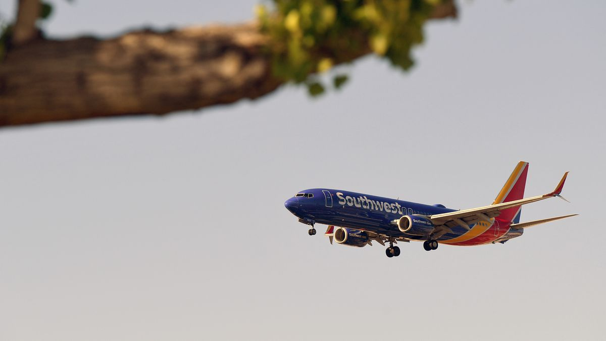 Southwest to offer refunds for passengers uncomfortable with middle seat sales