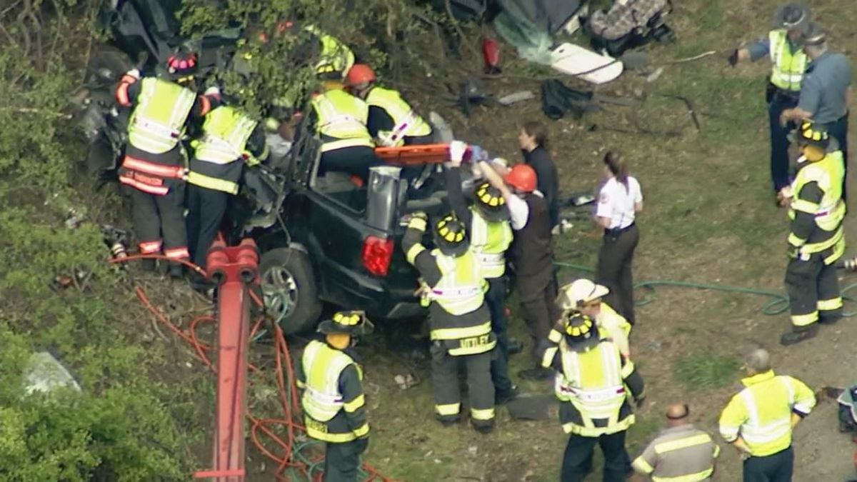 Man suffers life-threatening injuries after vehicle rolls over, hits tree on I-495