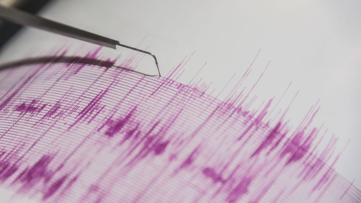 Magnitude 2.0 earthquake strikes south of New Bedford