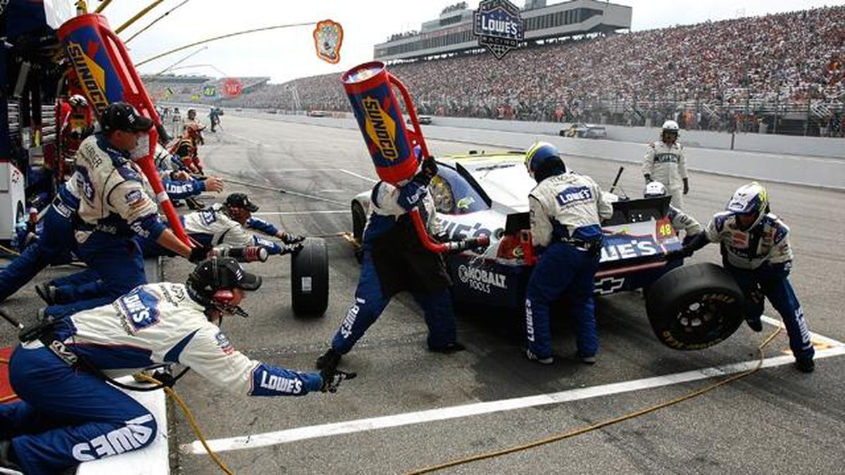 New Hampshire Motor Speedway will allow fans at NASCAR race in Aug.