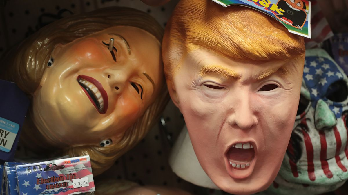 Family decorates house with 'scary' Hillary Clinton-themed Halloween decorations