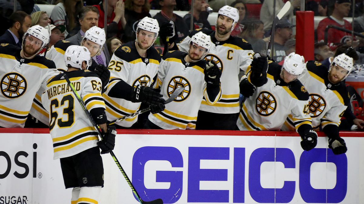 STANLEY CUP PLAYOFFS: Bruins survive late storm, edge Carolina in Game 3
