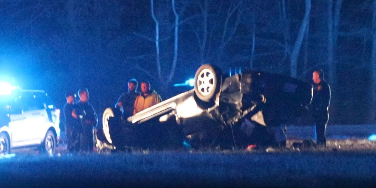 Man seriously injured after early morning rollover crash on I-93 in Wilmington