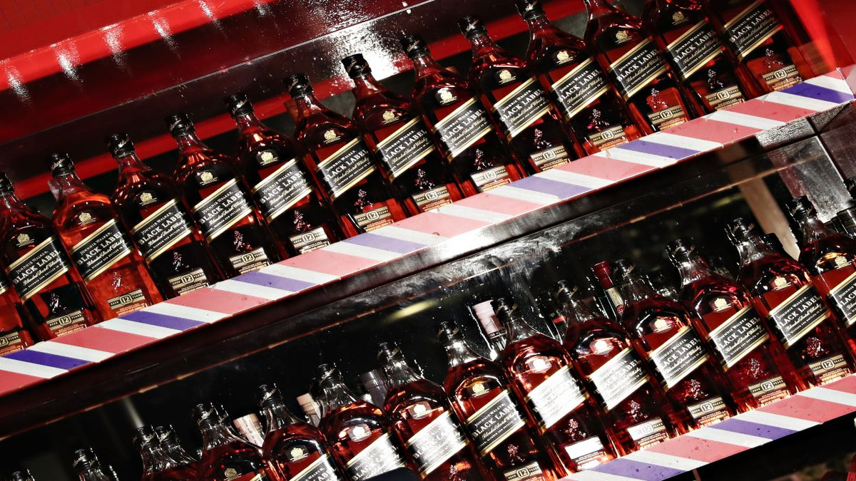 Johnnie Walker whiskey to be sold in paper bottles by 2021