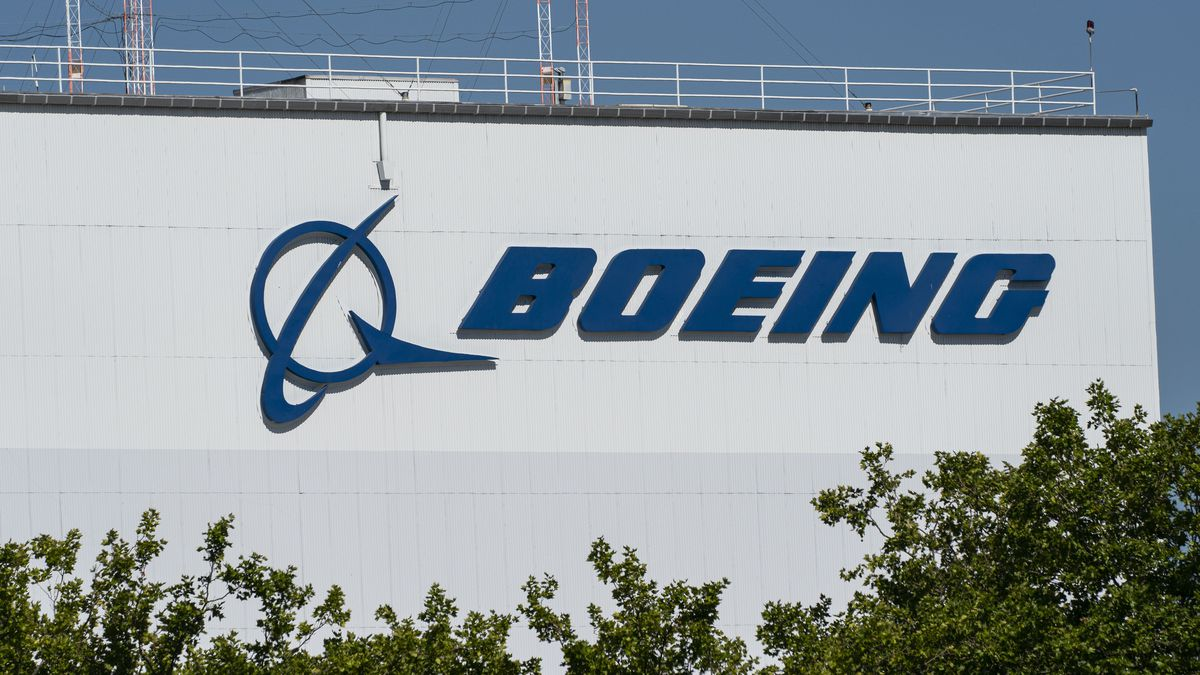 Boeing donates $500,000 to struggling Space Camp