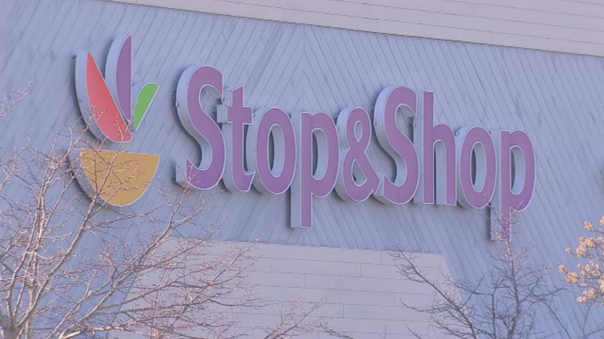 2nd worker at Brockton Stop & Shop tests positive for COVID-19
