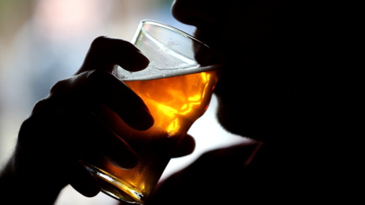 Drinking alcohol can help you learn a foreign language, study says