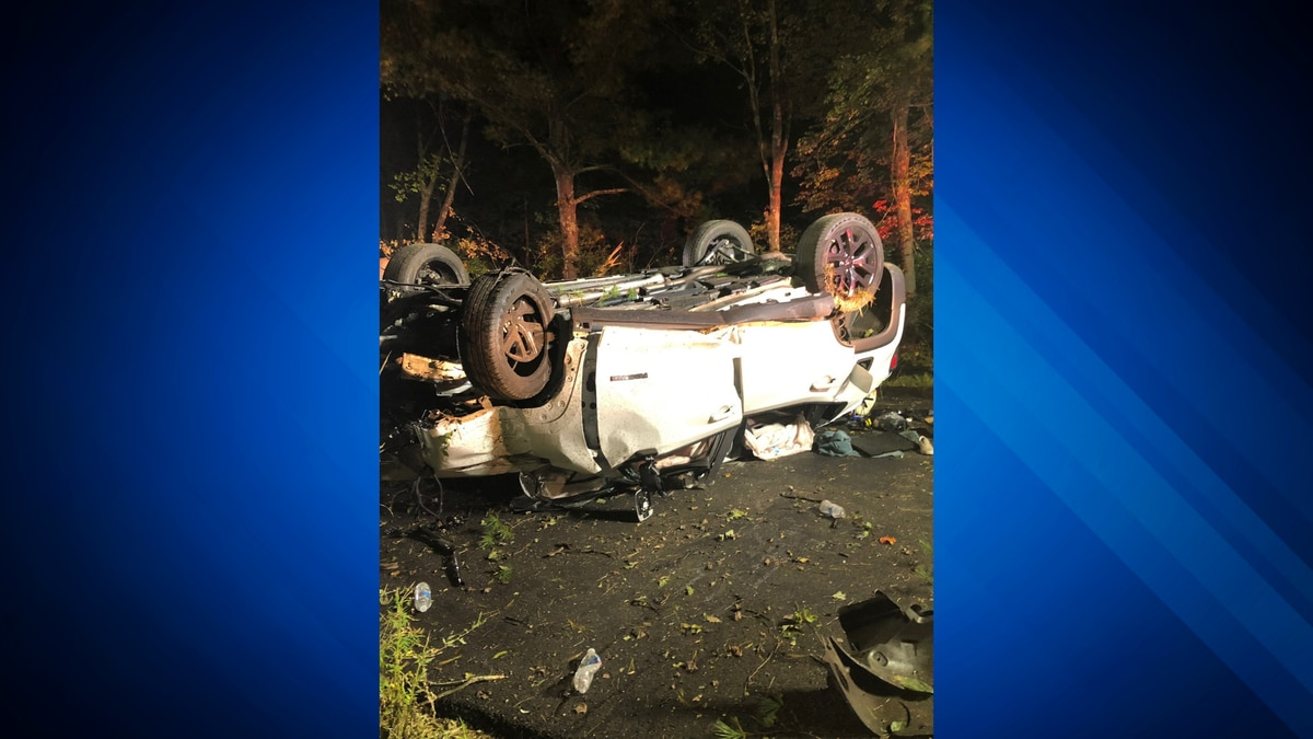 Five young teenagers hurt, 3 ejected in Upton car crash