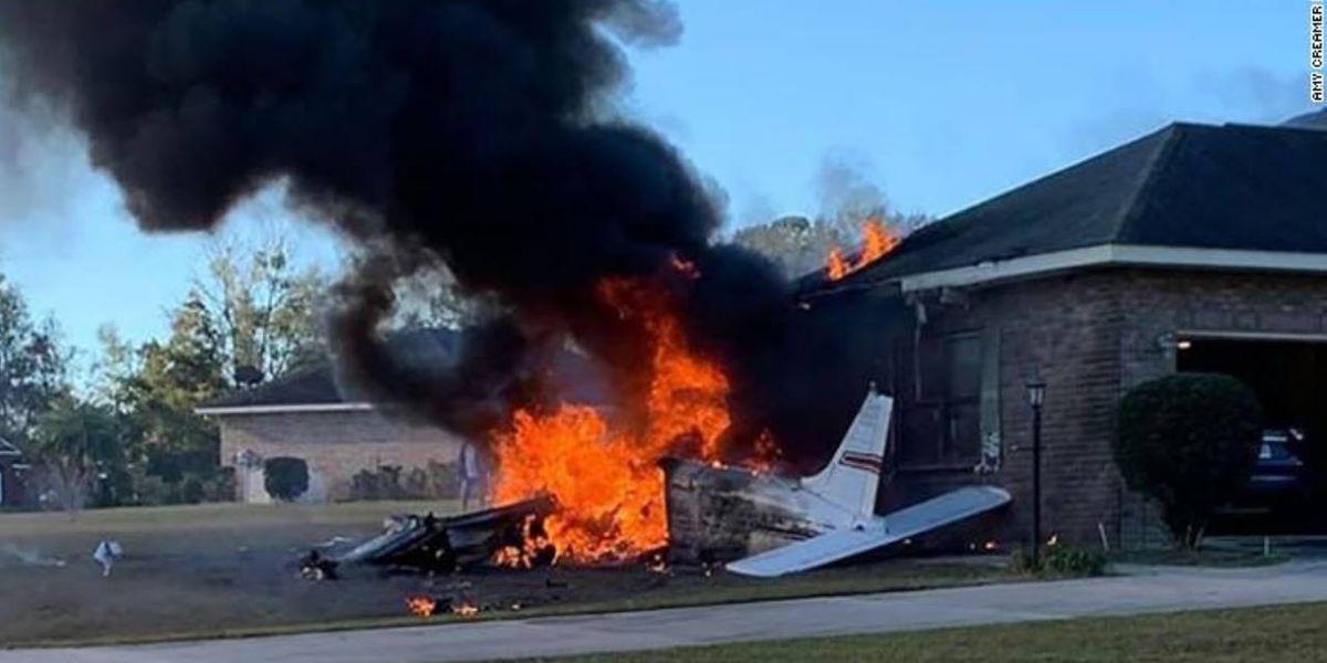 Pilot killed when small plane crashes into north Florida home