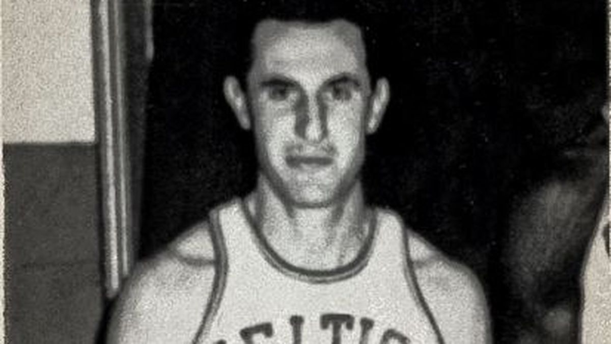 Former Celtics, Canisius guard Johnny McCarthy dies at 86