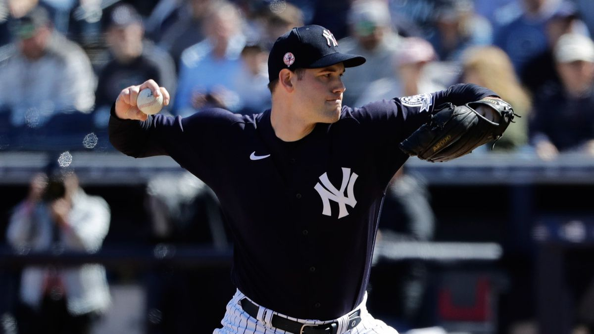 Yankees send Ottavino to Boston in rare trade with Red Sox