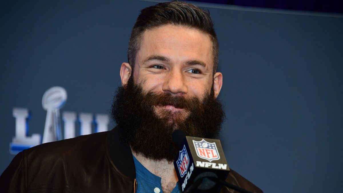 Patriots WR Julian Edelman shaves beard for charity following Super Bowl win
